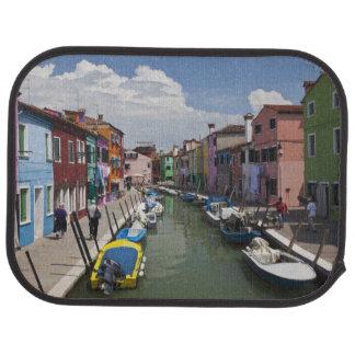 Tapis De Voiture Maisons colorées le long de canal sur l'île de