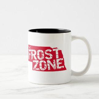 Tasse 2 Couleurs La zone de Frost. Le football du Nébraska