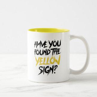 Tasse 2 Couleurs Le roi en jaune vous font fonder le signe jaune