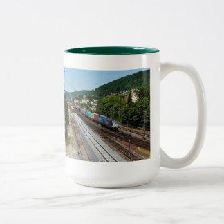 Tasse 2 Couleurs Train de marchandises dans les Gemünden au Main