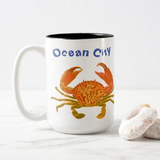 Tasse 2 Couleurs Ville d'océan, le Maryland, crabe de bruit