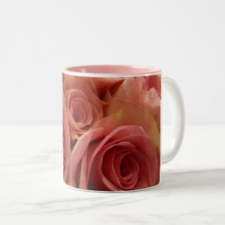 Tasse à deux tons de roses