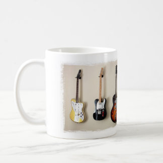 Tasse accrochante de conception de guitares