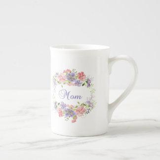 Tasse assez florale de maman