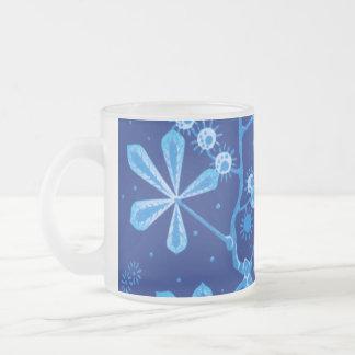 Tasse azurée de fleur de Frost