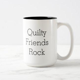 Tasse bilatérale de roche d'amis de Quilty