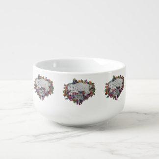 tasse blanche de soupe à lapin