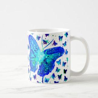 Tasse bleue d'aquarelle de papillon
