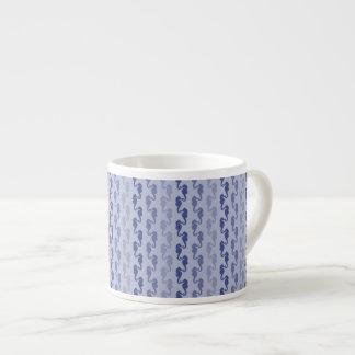 Tasse bleue de café express de lavande