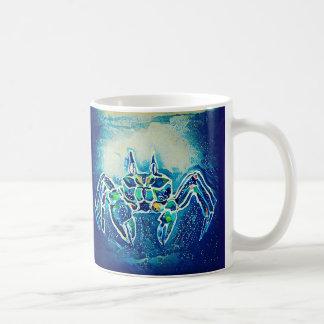 Tasse bleue de crabe de fantôme