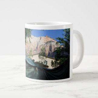 Tasse campante de tasse de tentes de montagnes