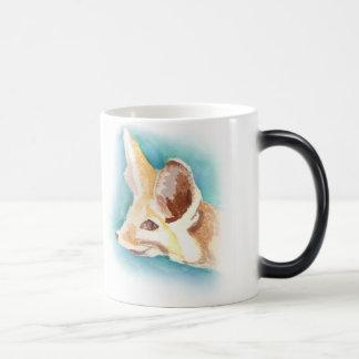 Tasse changeante de chaleur-couleur de renard de