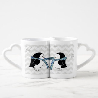 Tasse chaude d'amants de pingouins