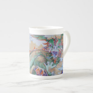 Tasse chinoise de porcelaine tendre de dragon