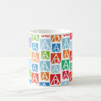 Tasse colorée d'ADAA