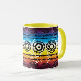 Tasse colorée de conception de batik de colorant