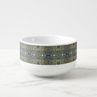tasse croisée bleue de soupe à motif