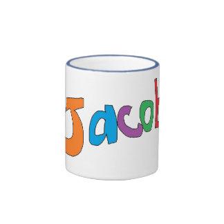 Tasse d'amusement pour Jacob avec des bonhommes de