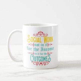 Tasse d'assistant social - tasse de café d'humour