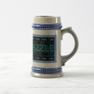 Tasse de bière de couleur d'étain avec le logo