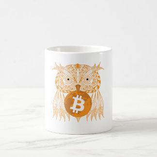 Tasse de Bitcoin de hibou