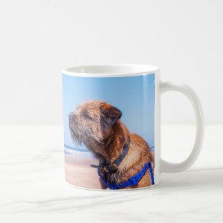 Tasse de cadeau de chien de Frontière-Terrier,