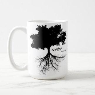 Tasse de café (arbre avec des racines)