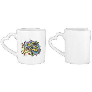 Tasse de café avec l'amour et les fleurs YACF