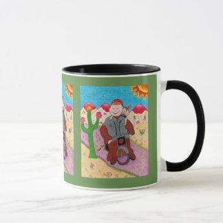 Tasse de café avec le moine de cycliste