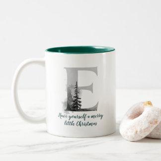 Tasse de café d'alphabet de la lettre E de Noël