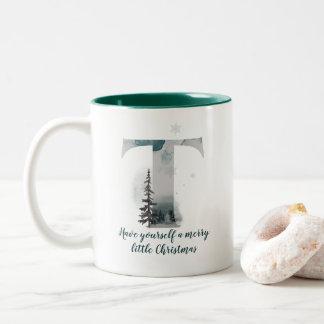 Tasse de café d'alphabet de la lettre T de Noël