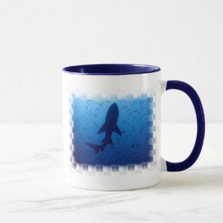Tasse de café d'attaque de requin