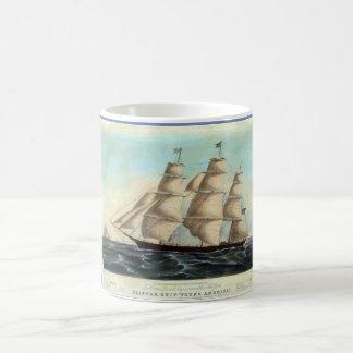 Tasse de café de bateau de tondeuse