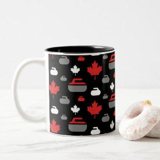 Tasse de café de bordage de roches du Canada