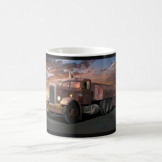 """Tasse de café de """"camion de duel"""" de Peterbilt"""