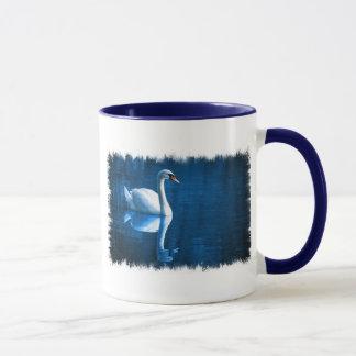 Tasse de café de cygne muet