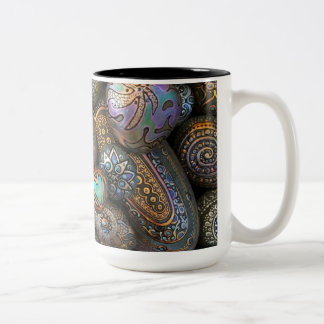Tasse de café de deux tons qui bascule !
