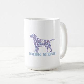 Tasse de café de labrador retriever de mandala