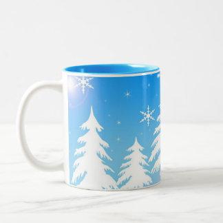 Tasse de café de scène d'hiver