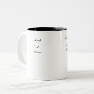 Tasse de café de sourire de Sarah