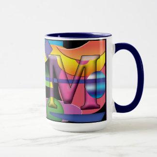 Tasse de café décorée d'un monogramme de RM