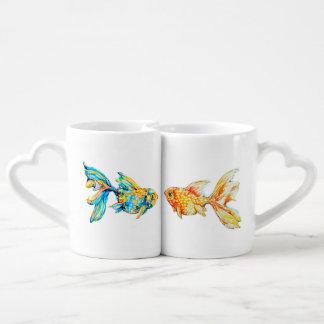Tasse de café d'emboîtement réglée avec le poisson