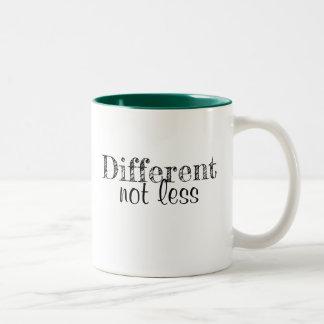 """Tasse de café """"différente pas moins """""""
