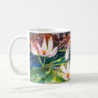 Tasse de café d'impression d'aquarelle d'étang de