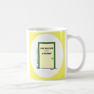 Tasse de café drôle d'ophtalmologiste de bande