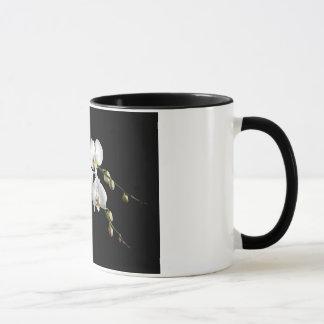 Tasse de café élégante d'orchidée