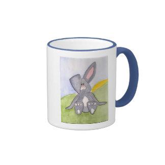 Tasse de café ensoleillée de lapin