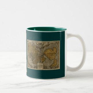 Tasse de café historique de carte de Vieux Monde