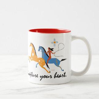 Tasse de café indigène de cavalier