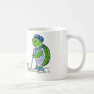 Tasse de café jouante au golf de tortue